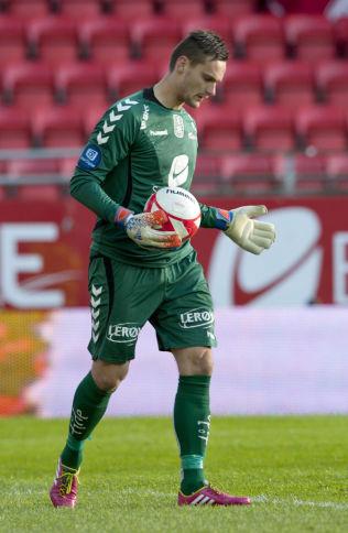 <p>OMSTRIDT OVERGANG: Piotr Leciejewski sier at han er ukjent med at penger under bordet skal ha vært involvert da han gikk til Sogndal før 2008-sesongen.<br/></p>