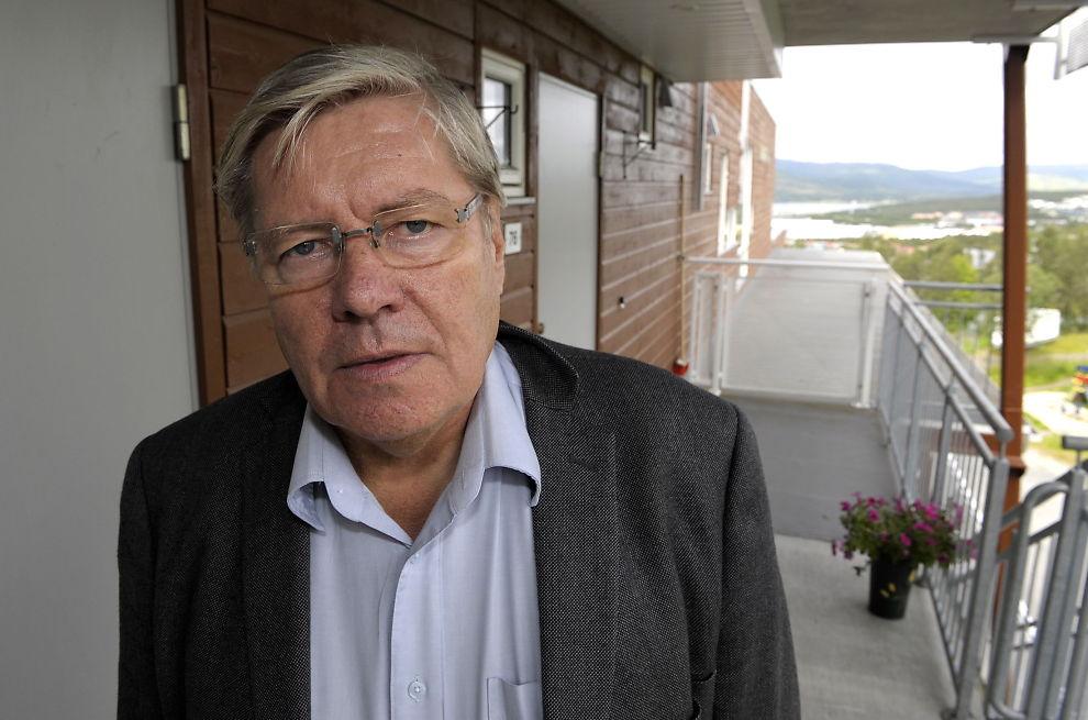 <p>KLAR TALE: Professor og barnepsykolog Willy-Tore Mørch er ikke i tvil. Man skal sjekke ungenes bruk av sosiale medier. Foto: TERJE MORTENSEN / VG</p>