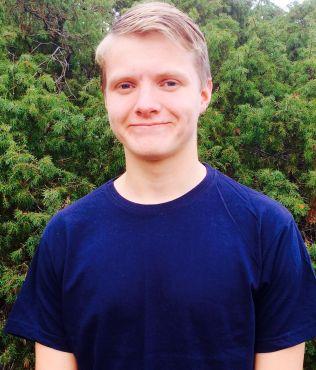 <p>VIL HELLER HA DIALOG: 17-årige Sverre Skjauff fra Bærum setter ikke videre pris på at foreldre skal sjekke ungenes Facebook. Foto: PRIVAT<br/></p>