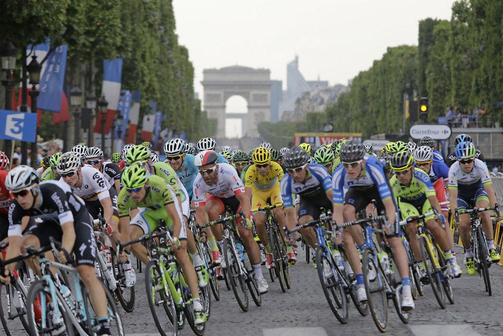 <p>OMFATTENDE ARBEID: Antidoping Norges jobb med å finne ut mer om doping i norsk sykkelsport har vært stor. Her et bilde fra årets Tour de France, på innspurten på Champs Elysees (illustrasjonsfoto).<br/></p><p><br/></p>
