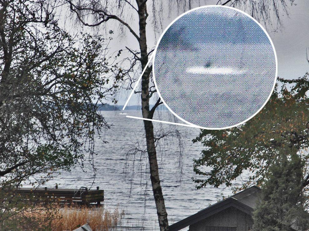 <p>MISTENKELIG OBJEKT: Det svenske forsvaret ga ut dette bildet på en pressekonferanse. – Jeg tror det er noen form for ubåttårn, sjøsprøyt og at det gjør 3-4 knop, sier kontreadmiral Anders Grenstad.<br/></p>