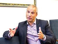 Beskylder Solberg for dårlig lederskap