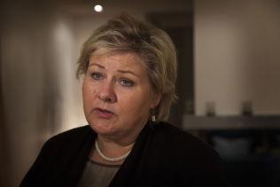 KONTROVERSIELT: Regjeringens forslag til lettelser i formuesskatt blir krevende å håndtere for statsminister Erna Solberg (H).