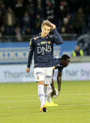 <p>KAMP SØNDAG, MADRID MANDAG: Dagen etter at Martin Ødegaard spilte en solid kamp for Strømsgodset mot Molde, ble han fløyet til Spania for å se på forholdene i Real Madrid.<br/></p>