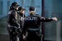 Politijuristene vurderer å kaste uniformen