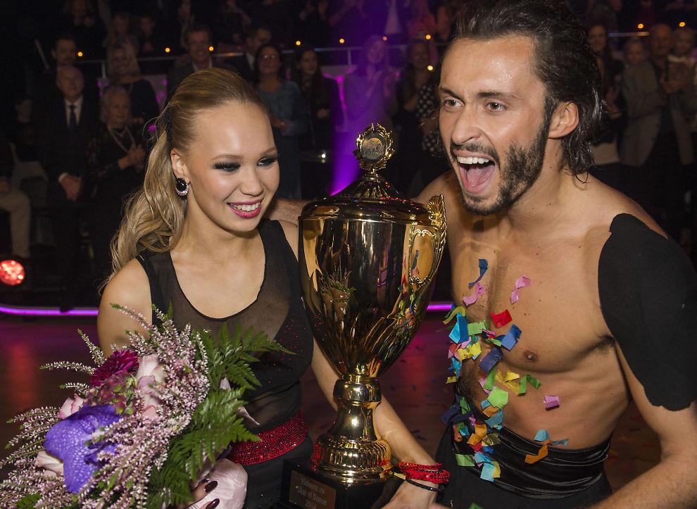 <p>VANT: Agnete Kristin Johnsen og dansepartner Egor Filipenko under finalen av « Skal vi danse» lørdag.<br/></p>
