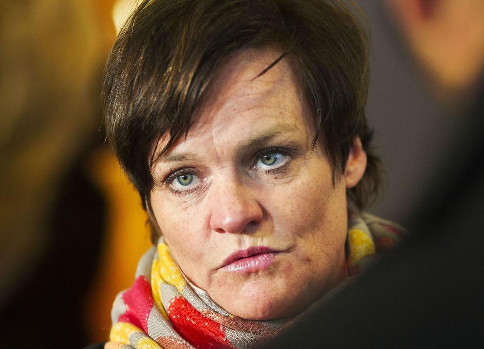 <p>FORSVARER: Advokat Mette Yvonne Larsen sier den familievoldsiktede toppidrettsutøveren nekter straffskyld.<br/></p>