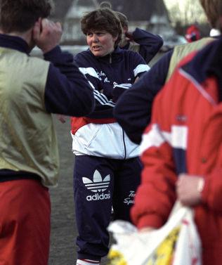 <p>1994: Eli Landsem som Rælingen-trener.<br/></p>