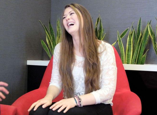 """SJEFEN: Kate Murphy er daglig leder for """"Play Magnus"""", selskapet der Magnus Carlsen er hovedeier. Hun ler godt av ryktene som har gått om at de to skulle være kjærester."""