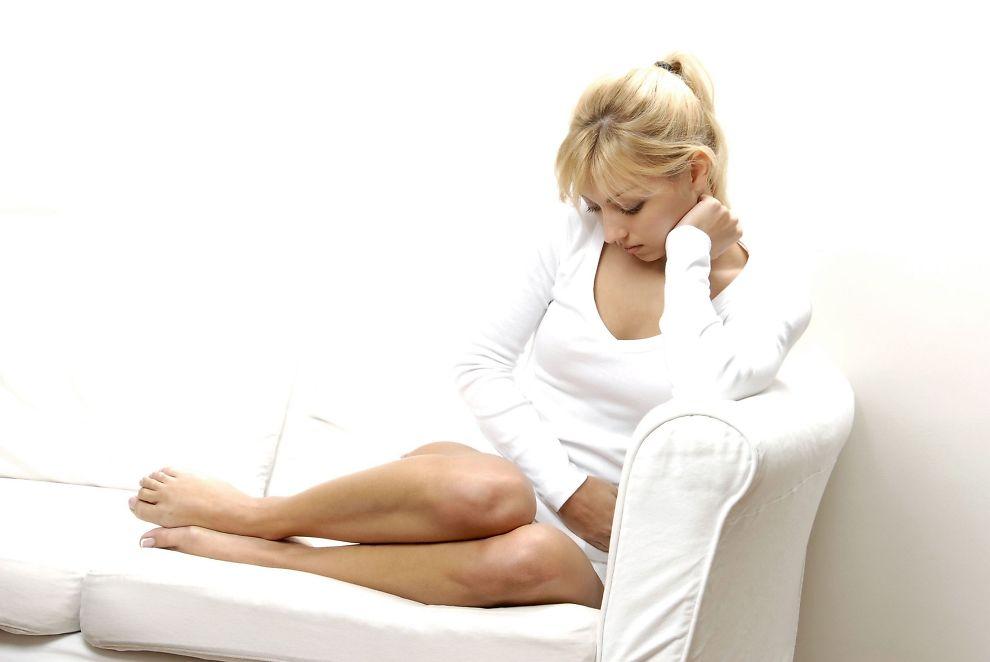 smerter i magen gravid uten klær