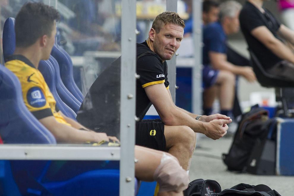 <p>SKUFFET: Lillestrøm-kaptein Frode Kippe liker ikke at laget må starte 2015-sesongen med ett minuspoeng.</p><p/>