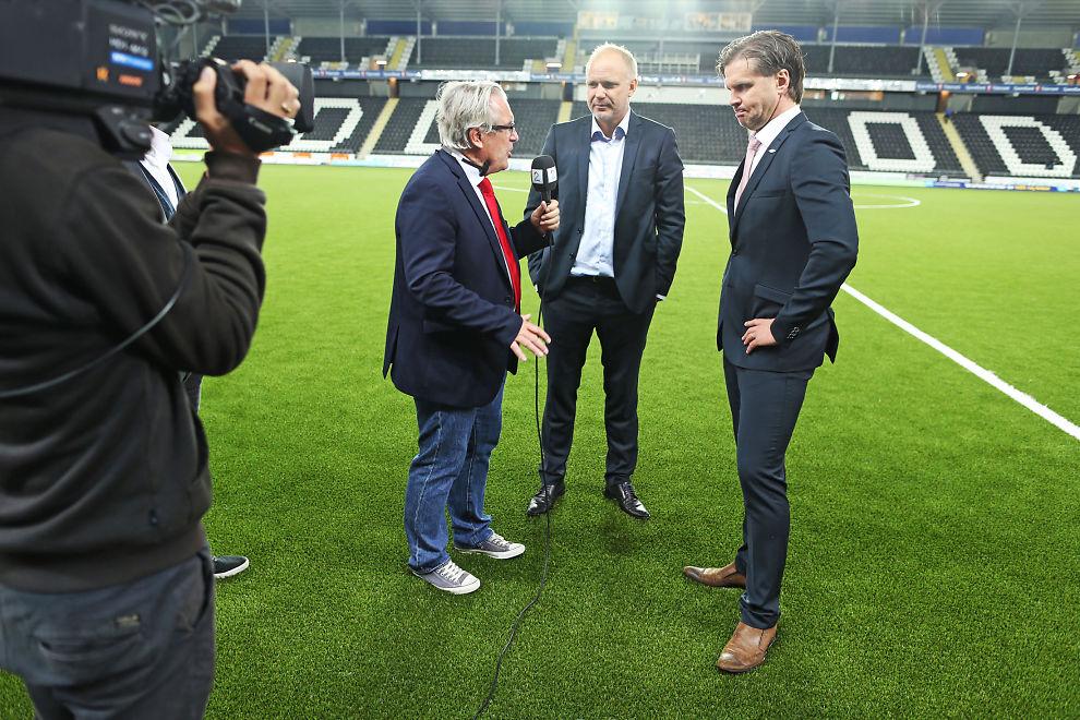 <p>FESTER GREPET OM TIPPELIGAEN: TV 2-profil Davy Wathne kan bli å se på flere Tippeliga-arenaer denne sesongen. Her intervjuer han Odds Dag-Eilev Fagermo og Branns Rikard Norling etter en kamp i Skien i fjor. Sistnevnte er ikke en del av Tippeligaen i 2015.</p><p/>