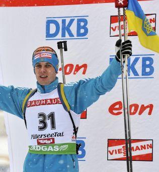 <p>AVSLØRT: Sergei Sednev jubler for 2. plassen i Hochfilzen i desember 2010.<br/></p>