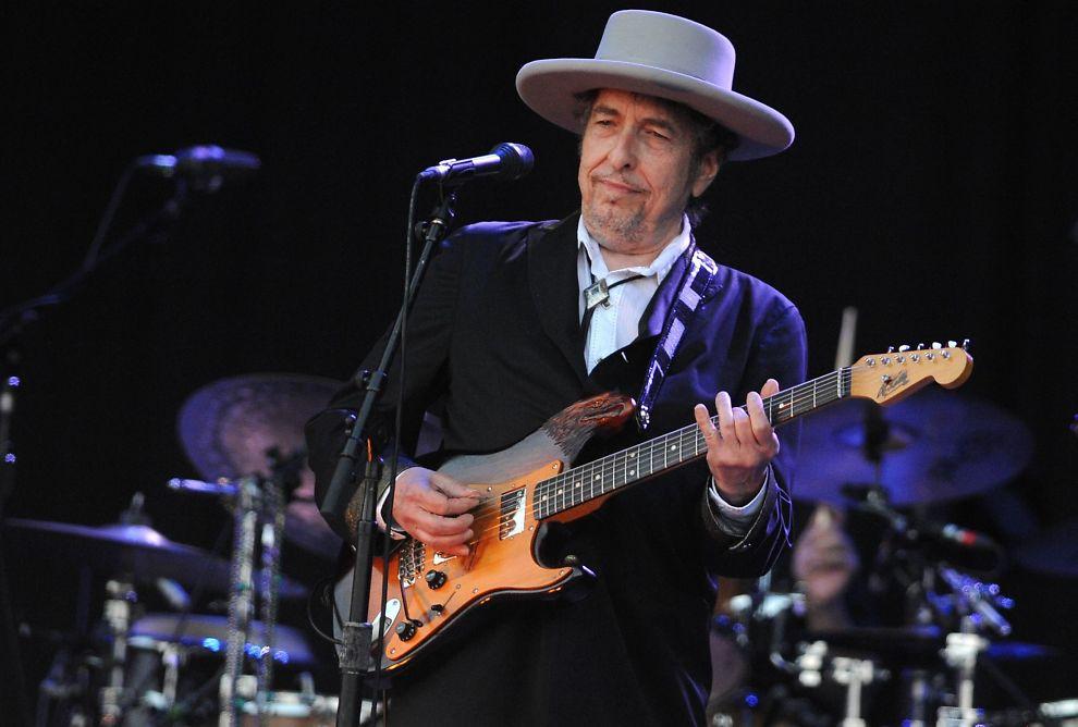 <p>NYTT GREP: Bob Dylan tar for seg Frank Sinatra-tilknyttede sanger på sin nye plate, med stort hell synes VGs anmelder. Foto: AFP</p>