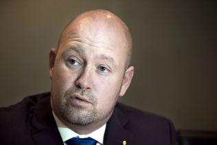 <p>BLIR IKKE NOE AV: Justis- og beredskapsminister Anders Anundsen (FrP) har mistet tilstrekkelig støtte i Stortinget for tiggerforbudet og trekker nå forslaget.<br/></p>