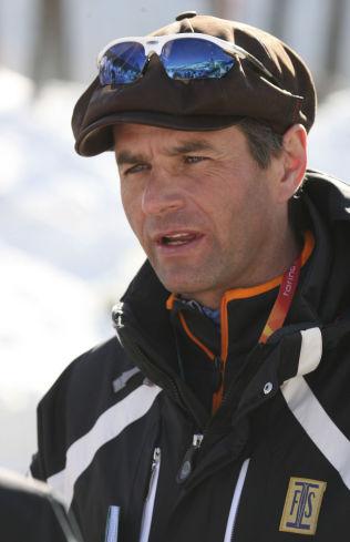 <p>BEKYMRET: Markedsdirektør Jürg Capol i Det internasjonale skiforbundet vil ha debatt og pengetak og begrensninger i langrenn. Her under OL i 2006.</p>