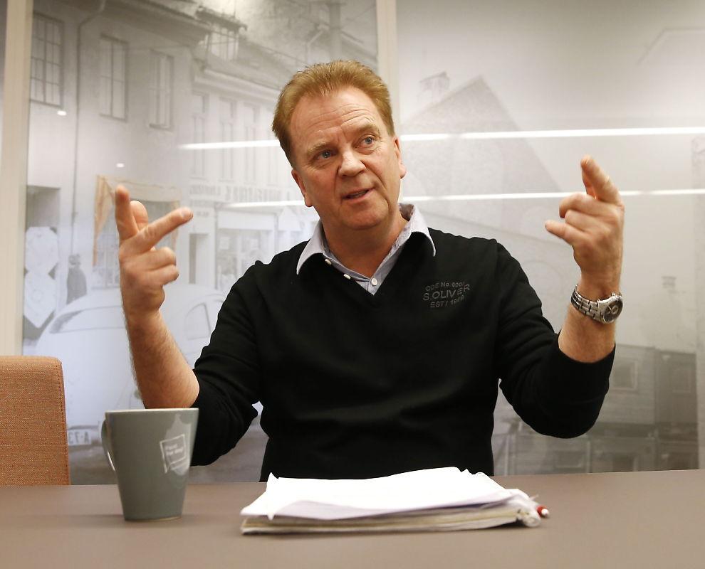 """<p>TØFFE TAK I LUFTEN: Halvor Vatnar, leder for pilotforeningen i Norwegian, sier pilotmekling til helgen i realiteten dreier seg om de faste ansatte pilotenes fremtid i Norwegian.</p><p><i><br clear=""""all""""/></i></p><p><br/></p><p><br/></p>"""