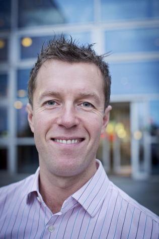 <p>HÅPER PÅ ENIGHET: Informasjonssjef Lasse Sandaker-Nielsen i Norwegian Air Shuttle.<br/></p>