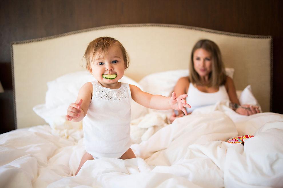 <p>HJELPER MAMMA: Lille Billie har til nå vært en viktig del av mamma Tone Damlis blogg.</p>