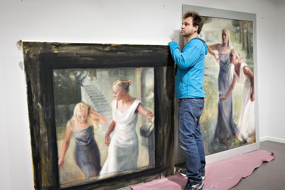 <p>NYE PORTRETTER: Da Vebjørn Sand fikk nei til å stille ut portrett-bestillingsverkene av Fredriksen-tvillingene, malte han i stedet nye portretter som var dypt inspirerte av originalene - uten søstrenes viten og vilje. Saken har vakt stor interesse i kunst-Norge. Flere av Sands kolleger minner om viktigheten av å inngå klare og konkrete avtaler om bruk før arbeidet starter.<br/></p>