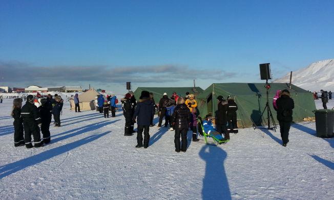 <p>NYDELIG VÆR: Slik så det ut ved Longyearbyen en snau halvtime før hele Svalbard ble mørklagt.<br/></p>