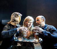 Teateranmeldelse: «Fugletribunalet»