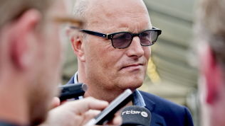 <p>SUSPENDERT: Mandag begynte ryktene å svirre om at Bjarne Riis var suspendert fra sykkellaget Tinkoff-Saxo. I dag bekreftet laget ryktene.</p>