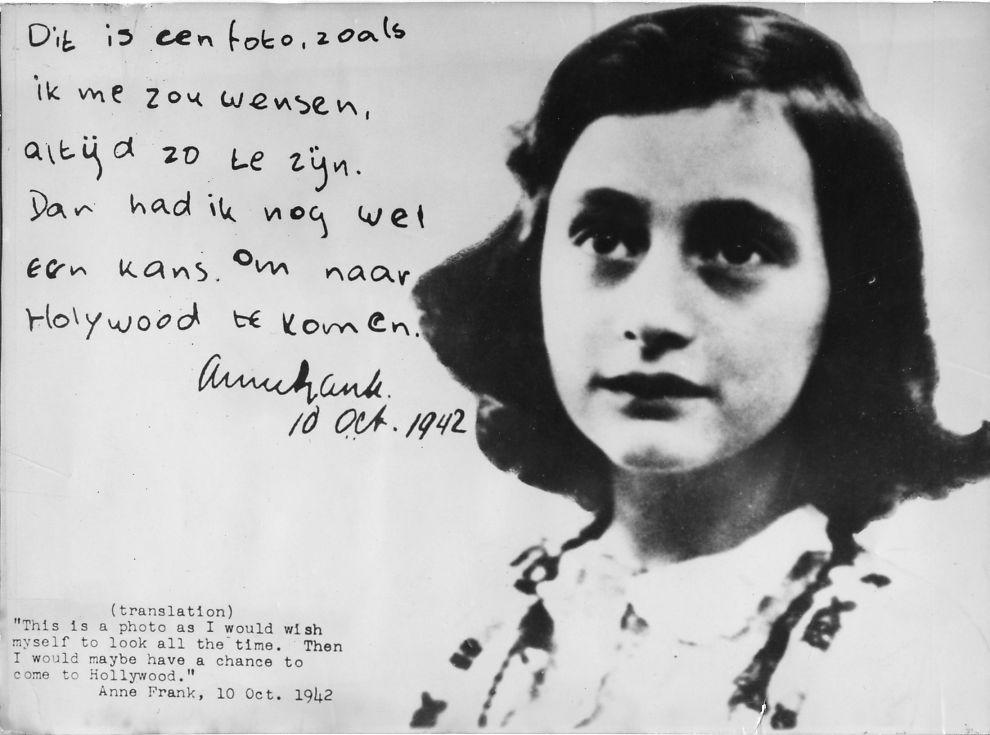 <p>UNGJENTE: Bildet viser Anne Frank og en kort melding hun skrev 10. oktober 1942. Her skriver hun at hun skulle ønske hun alltid så ut som på dette bildet, fordi da ville hun kanskje ha sjansen til å komme til Hollywood. Foto: AP<br/></p>