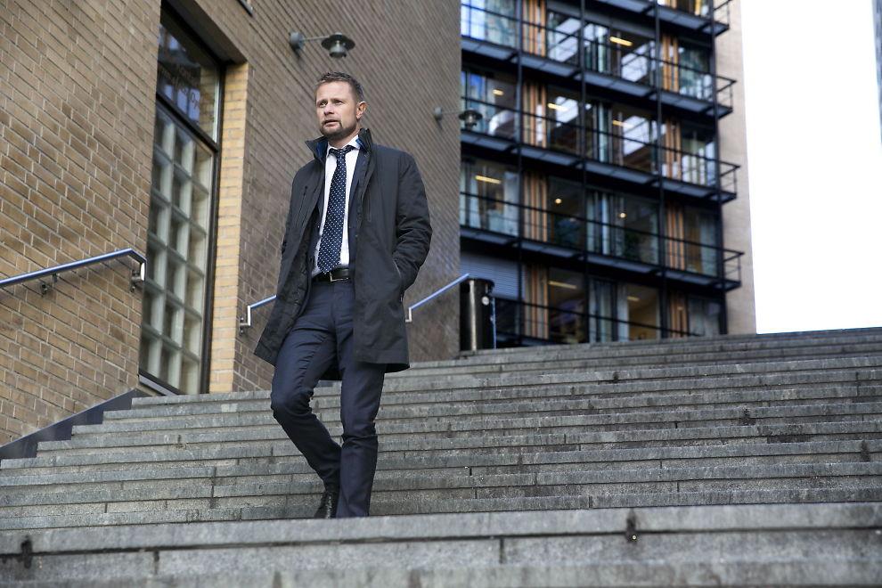<p>UTFORDRING: Helseminister Bent Høie (H) har aldri følt seg ensom. Men han ser en stor utfordring ved at så mange blant oss sliter psykisk og fysisk på grunn av ensomhetsfølelse.</p>