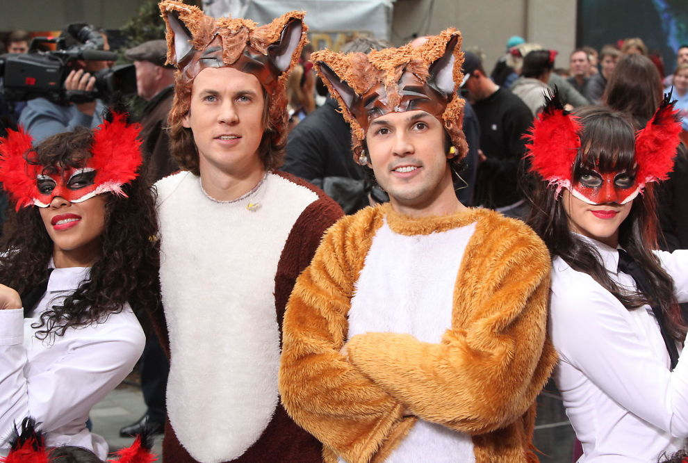 Ylvis preforms new hit on nbc