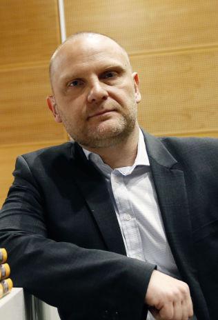 <p>IKKE KRITISK: Frank Rossavik tror ikke NRK vil fatte kritiske vedtak mot «Trygdekontoret» etter denne ukens harselering med Kari Jaquesson.<br/></p>