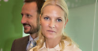 Kronprinsparet ute av tobakksaksjer - har skiftet fondsforvalter
