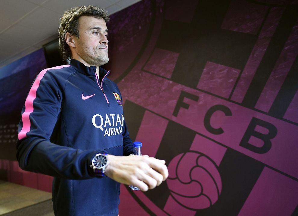 <p>HAR GJORT BARCA «ENRIQT»: Barcelona-trener Luis Enrique på vei til pressekonferanse tidligere i år. Før onsdagens møte med vennen Pep Guardiola og Bayern har det meste gått på skinner de siste månedene.<br/></p>