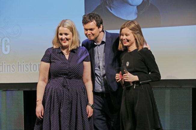 <p>LYKKELIGE PRISVINNERE: Journalistene Synnøve Åsebø (t.v) og Maria Mikkelsen tok imot prisen for Årets digitale historie for Odin-saken. Lederen for VGs samfunnsseksjon, Anders Sooth Knudsen, var også til stede under dagens prisutdeling i Bergen.<br/></p>