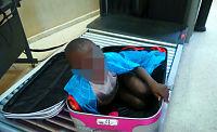 Gutt (8) forsøkt smuglet i koffert – nå snakker faren ut