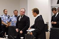 Breivik ble truet av medfange