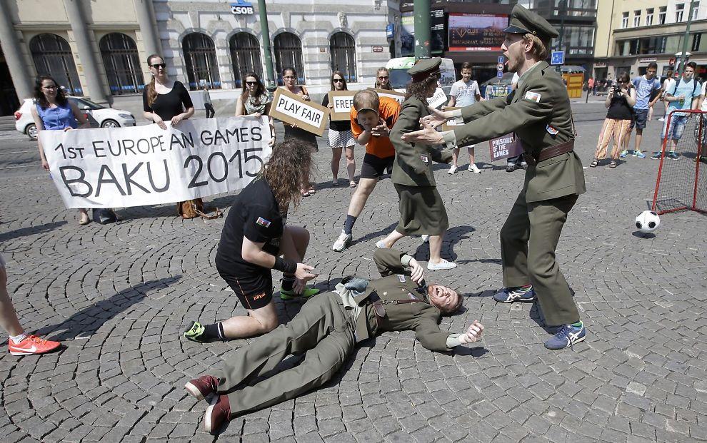 Brudd på menneskerettigheter vg