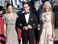 Bryllup i Sverige: Mette-Marit ankom middag alene
