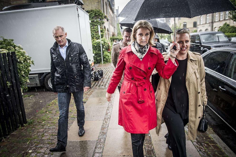 par ledsagere rødt hår tæt på København