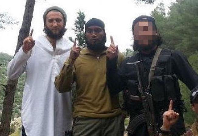 <p>TERRORDØMT: Valon Avdyli (28) t. v. og Djibril Bashir (30) ble i mai dømt til over fire års fengsel for IS-deltakelse. PST kjenner ikke identiteten til tredjemann på bildet.<br/></p>