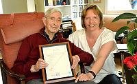 Krigshelt fikk vitnemål 83 år for sent