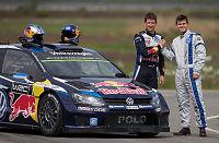 Magnus Carlsen kartleser for rallyverdensmesteren