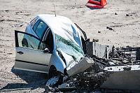 Bil knust etter brokollaps i Sverige