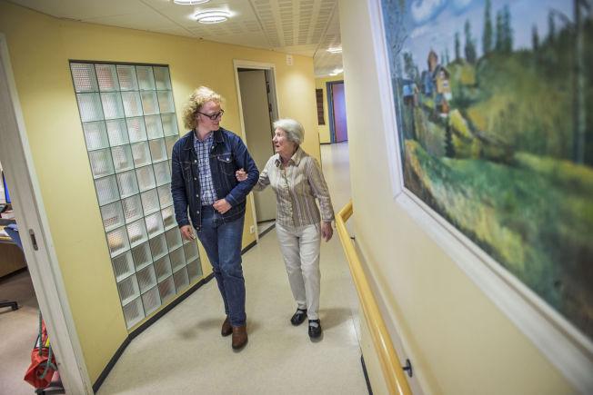 <p>POLITISK VARIASJON: Sivesindtajet forteller at det er mye politisk variasjon innad i familien. Oldemoren Elvine Bjerke (87) har aldri stemt Pensjonistpartiet.<br/></p>