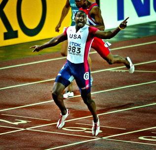 <p>HELT SUVEREN 2005: Justin Gatlin (dengang 23) var i en klasse for seg da han vant 200-meteren i VM i Helsinki for ti år siden.<br/></p>