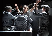 Teateranmeldelser: «Klassen vår»