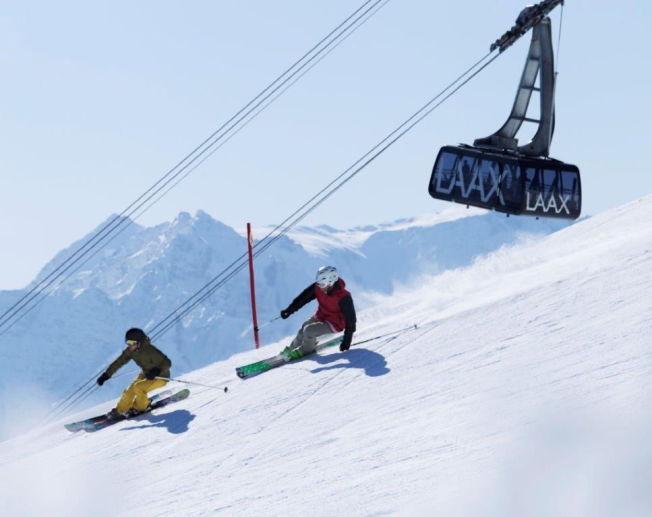 <p>FULL FART I SVEITS: Skistedet Laax i Sveits byr på nok av bratte utfordringer.<br/></p>