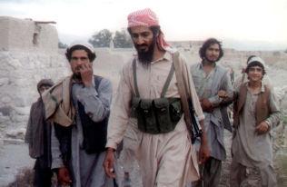 <p>FREMMEDKRIGER I AFGHANISTAN: I 1988 dannet Osama bin Laden al-Qaida, som fremmedkriger i Afghanistan. Da deltok han i kampen mot Sovjetunionens okkupasjon av landet. Nå er al-Qaida i Syria igjen i krig med Moskva. Bildet er tatt i 1989 i Jalalabad, Afghanistan.<br/></p>