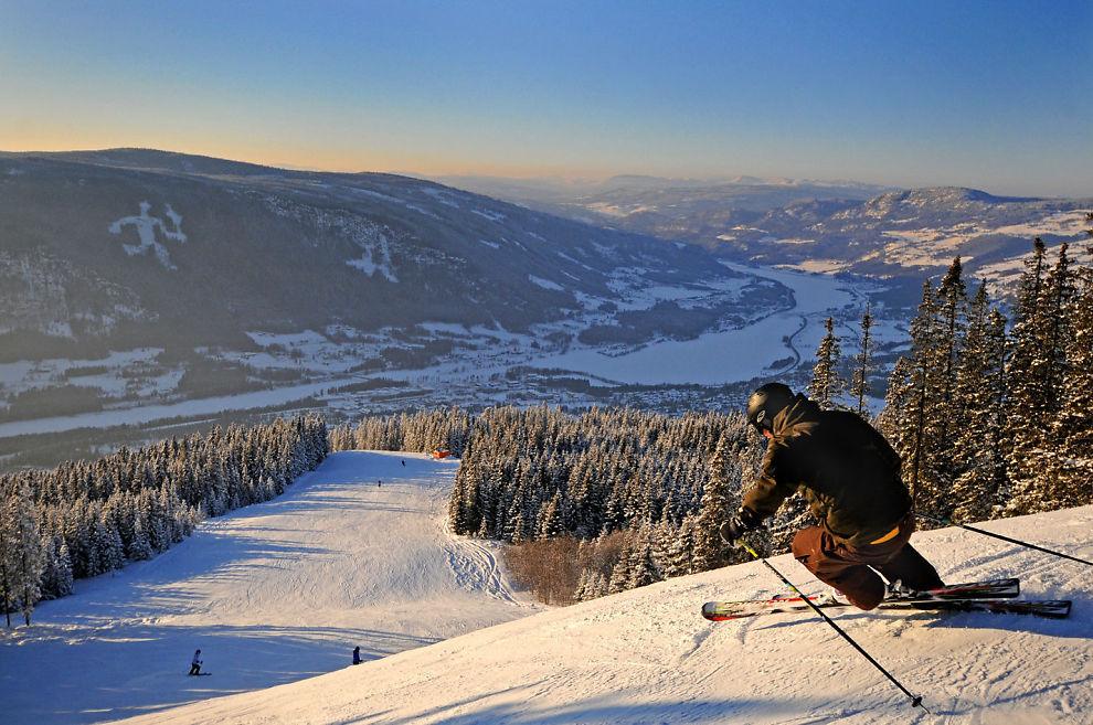 <p>HAFJELL: Her investeres det 80 millioner kroner i vinter, blant annet i ny fullskala skicrossløype. Foto: HAFJELL<br/></p>