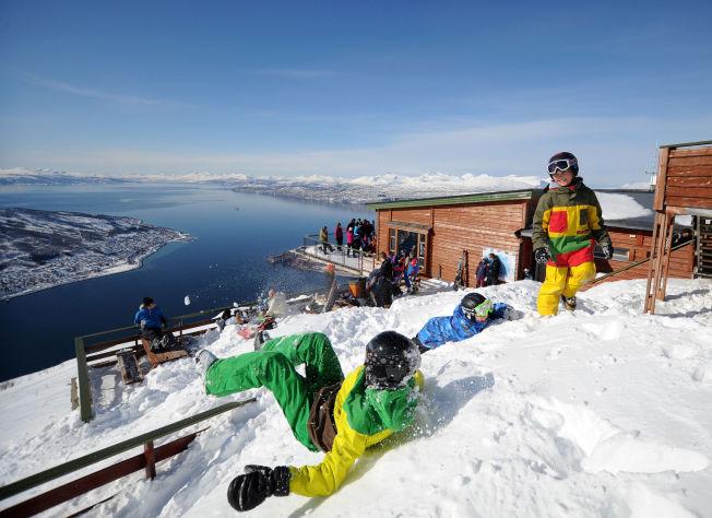<p>STORE PLANER: Narvikfjellet står foran store investeringer de kommende årene. Bilde fra Øvre Fjellheisrestuarant. Foto: NARVIKFJELLET</p>